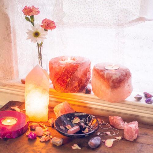 Lampes de sel, bols tibétains, fleur de vie, Méditation